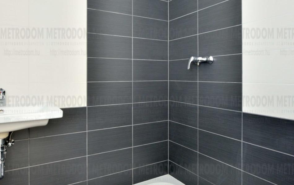 egyedi burkolat fürdőszoba