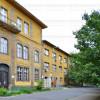 A környéken található a Kanizsai Dorottya Egészségügyi Gimnázium