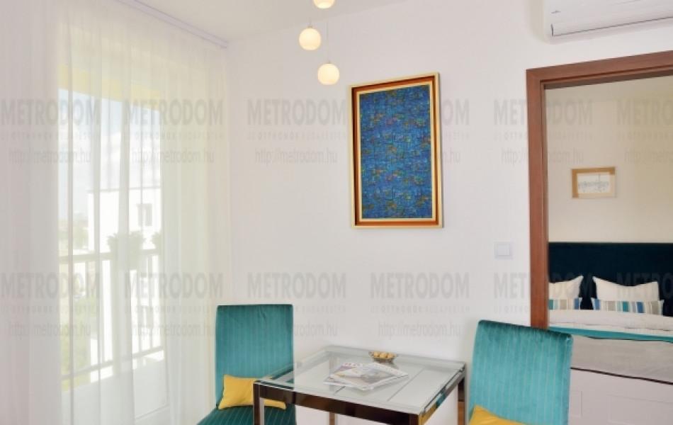 Az étkezőasztalnak a City Home legkisebb lakásaiban is tervezünk külön helyet