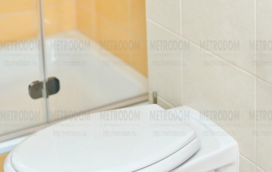 A falba épített wc tartálynak akár a teljes belső szerkezete kicserélhető bontás nélkül, a nyomólap két gombja 3 vagy 6 liter vizet ürít, segítve a takarékosságot