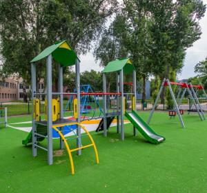 2017. október - 10 millió forinttal támogattuk a Száva utcai játszótér megújulását